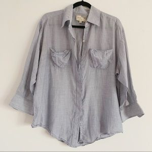 ⭐️ Elizabeth &James Flowy Chambray Button Down Top